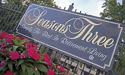 Community Signage, Seasons Three Apartments, 2