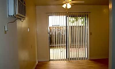 Living Room, 680 Waldo Rd, 2