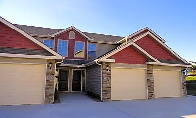 Building, Kinsley Forest Townhomes by Bristile Properties, 0