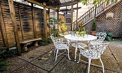 Patio / Deck, 564 Lombard St, 2