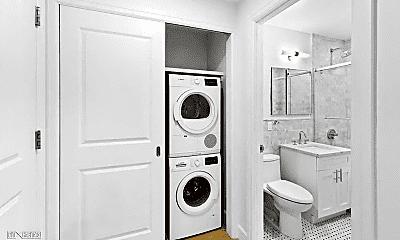 Bathroom, 156 E 48th St, 2