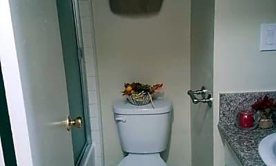 Bathroom, 2905 Leeward Ave, 2