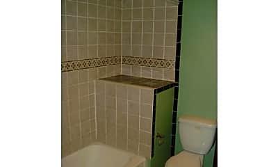 Bathroom, 1024 S Cleveland St, 2