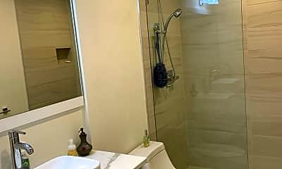 Bathroom, 1580 Burning Oak Way, 2