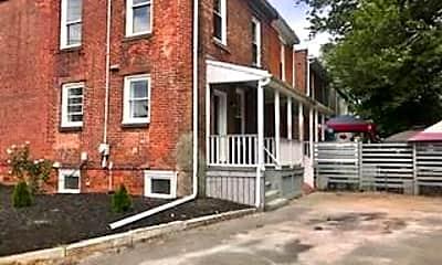 Building, 297 Hanover St, 2