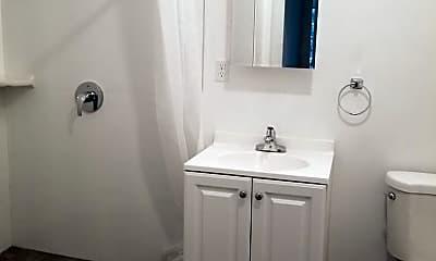 Bathroom, 1544 McAllister St, 2