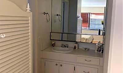Bathroom, 465 Paradise Isle Blvd, 2