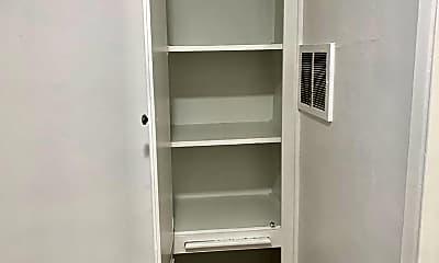 Bathroom, 8871 W 18th St, 2