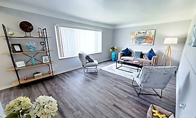 Living Room, 5445 Lee Rd, 0