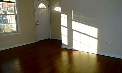 Living Room, 1528 N Pine St, 1