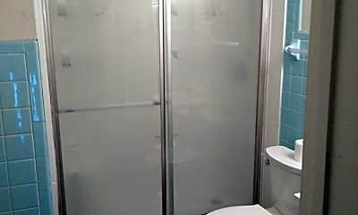 Bathroom, 523 S Park Ave, 2