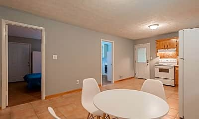 Dining Room, Room for Rent -  a 6 minute walk to bus 126, 0