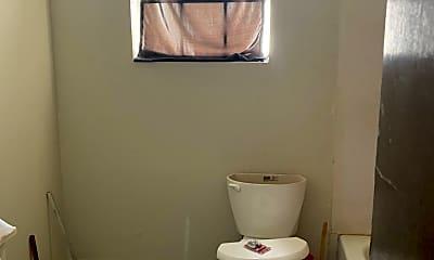 Bathroom, 2401 Magnolia St, 2
