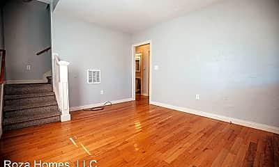 Living Room, 800 E Grand St, 1