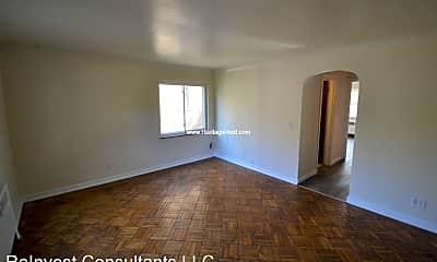 Living Room, 7244 Reading Rd, 1