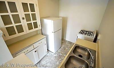 Kitchen, 1560 E Broad St, 2