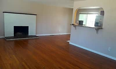 Living Room, 2205 Eagle View Dr, 1