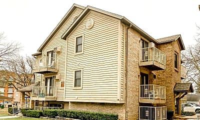 Building, 221 W Wood St, 2