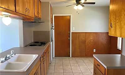 Kitchen, 921 Bradshaw Dr, 1