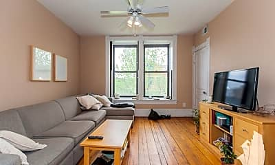 Living Room, 1101 N Marshfield Ave, 1