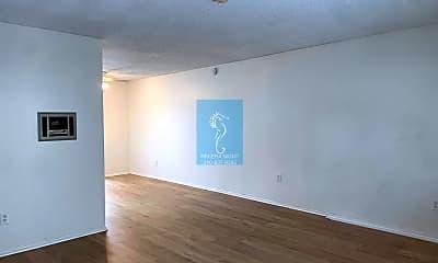 Living Room, 1812 Grant Ave, 1
