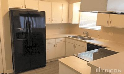 Kitchen, 13562 Fernhill Dr, 1