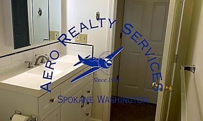 Bathroom, 1522 W Tenth Ave, 2