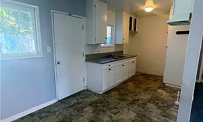 Living Room, 6851 Ira Ave, 0