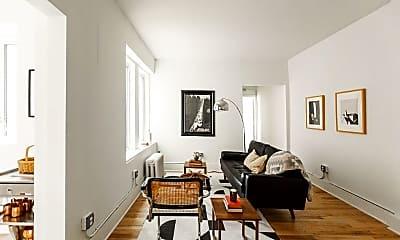 Living Room, 686 Selden St, 1