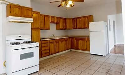 Kitchen, 303 Maverick St, 1