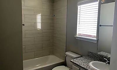 Bathroom, 2807 W Washington St, 1