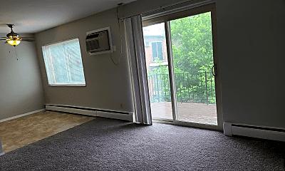 Living Room, 5890 Shadymist Ln, 1