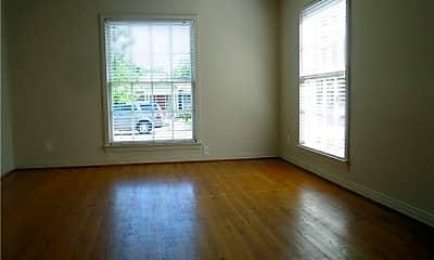 Living Room, 6259 Kenwood Ave, 1