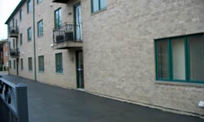 Building, 3152 N Oleander Ave 1B, 2