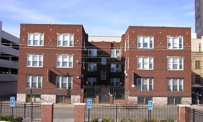 Building, 33 S Washington Ave, 1