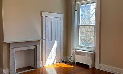 Living Room, 962 N 5th St, 1