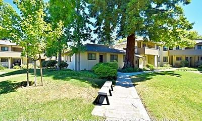 Building, 1173 N Abbott Ave, 2