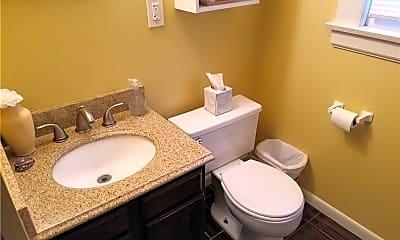 Bathroom, 2707 Lancashire Rd 18, 2