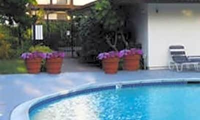 Villa Alvarado Apartments, 2