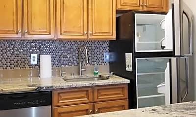 Kitchen, 2 Elmwood Park Dr 510, 1