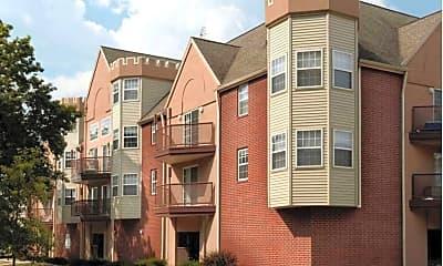 Building, 1007 S Locust St, 2