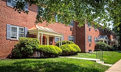 Spring Manor Apartments, 1