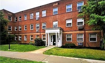 Building, 13833 Cedar Rd 206, 0