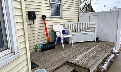 Patio / Deck, 321 5th Ave NW, 1