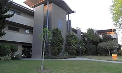 Fontainebleau Apartments, 1