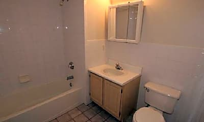 Bathroom, 27 Green St, 1
