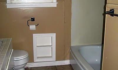 Bathroom, 1006 NW 9th St, 2