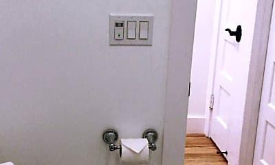 Bathroom, 1672 S Harvard Ave, 2