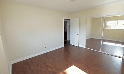 Bedroom, 21303 Oak St, 2