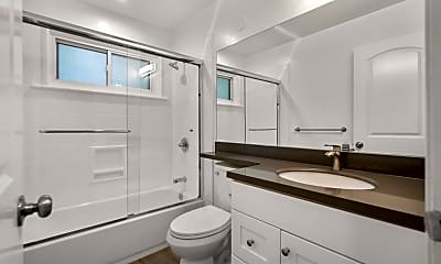 Bathroom, 1307 San Carlos Ave 5, 2
